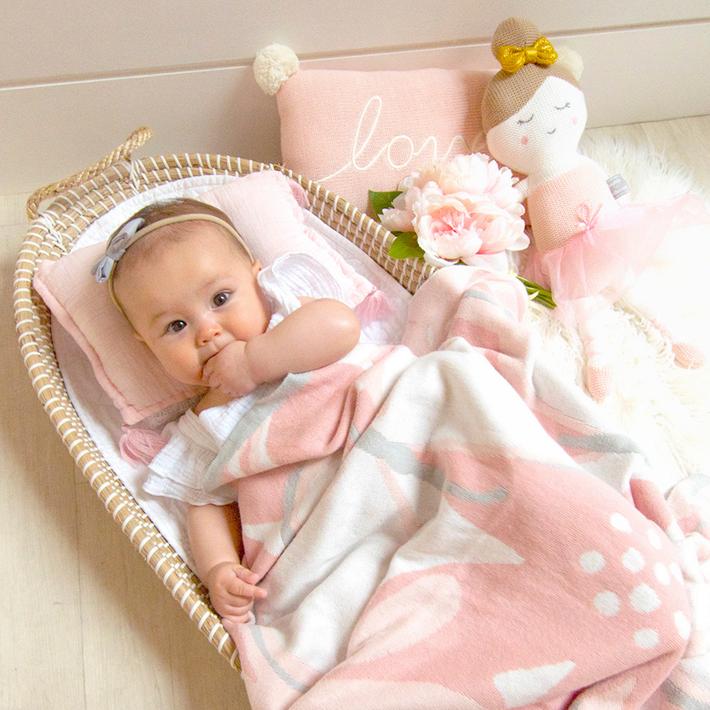 Lolli Living Meadow Knitted Pram Blanket 807802